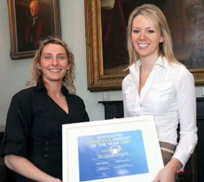 Dr. Sarah Enright receiving the Sensodyne Sensitive Dentist Award 2009